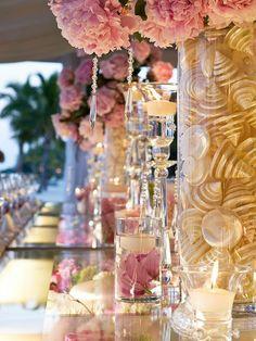 Valentine's Day Wedding table Decoration Ideas, glass table decor for lovers day wedding, February wedding decor www.loveitsomuch.com
