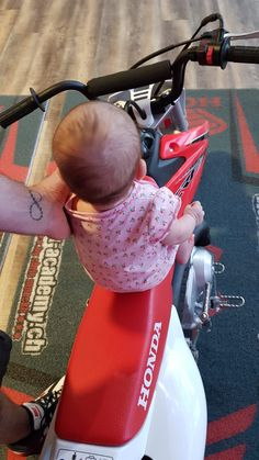 Never to early to start motocross :) ! Hunter Boots, Rubber Rain Boots, Honda, Champion, Bike, Gym, Learning To Drive, Kids, Bicycle Kick
