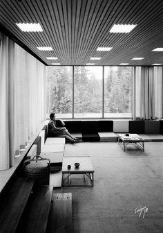 RENE LINJER: Planetveien 12, Arne Korsmo og Grete Prytz Kittelsens enebolig på Vettakollen i Oslo. Bygningen er tegnet av Korsmo og Christian Norberg-Schulz og ble bygget i 1954. Huset regnes som et av de viktigste verkene i norsk modernistisk, funksjonalistisk arkitektur, og er tegnet etter prinsippet om at alle form skal fylle en funksjon. *** Local Caption *** Korsmo, Arne, arkitekt (1900-1968) Norberg-Schulz, Christian, arkitekt (1926-2000)
