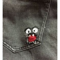 Great Free of Charge Embroidery Patches on denim Tips The most effective along with most popular platform textile to get spots is usually experienced as w Best Embroidery Machine, Embroidery Patches, Embroidery Patterns, Hand Embroidery, Sewing Hacks, Sewing Crafts, Sewing Ideas, Visible Mending, Denim Ideas