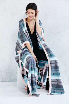 For those lazy dayss.Somedays Lovin The Silence Knit Poncho - Urban Outfitters Knit Poncho, Muumuu, African Design, Kimono Fashion, Playing Dress Up, Pattern Fashion, Stylish Outfits, Lounge Wear, Spring Fashion