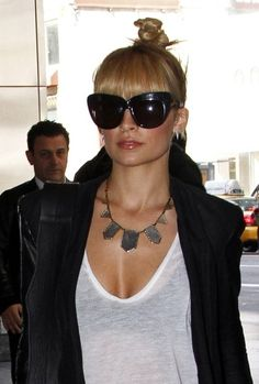 House of Harlow 1960 Two Tone Engraved Five Station Necklace as Seen On Nicole Richie love whole look