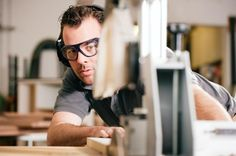 A carpenter plays an important role for any home renovation or carpentry project. These are the essential questions to help you sort out a good one from the bad.