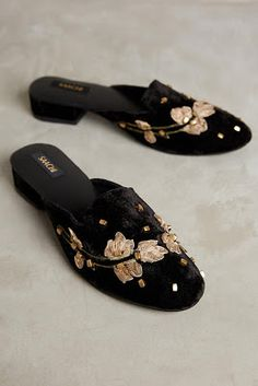 Saachi Chateau Applique Slides