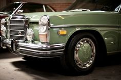 Mercedes 280 c 1973 Mercedes 220, Mercedes Motor, Mercedes W114, Mercedes Benz Cars, Retro Cars, Vintage Cars, Antique Cars, M Benz, Mercedez Benz
