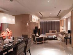 客餐廳採開放式的空間規劃,完整寬敞的空間感加上選用的石材及具高質感的材質,讓空間更尊貴。