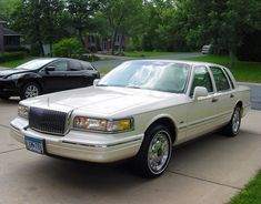 1997 Lincoln Town Car, Panther Car, Marauder, Chevrolet Malibu, Evening Sandals, Lincoln Continental, Marquis, Cadillac, Luxury Cars