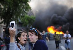 Magnificent we_live_in_a_selfie_crazed_world_640_22 Check more at http://oddstuffmagazine.com/crazy-selfies.html