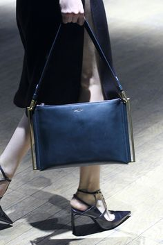 Lanvin Spring 2015 Ready-to-Wear - Collection - Gallery - Look 1 - Style.com #avenueatet