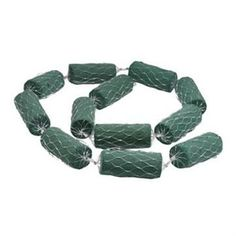 Box contains 12 connected netted wet floral foam cylinders 13x5cm. Total garland length 2.6 meters. Ideal for decorating entrances, arches & doorways.