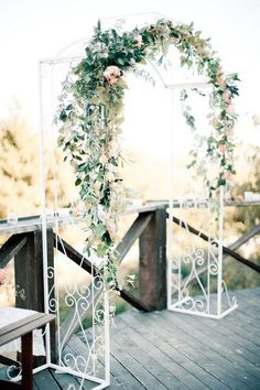 A wedding arch is a great idea both for an outdoor and indoor weddings, but of course they are indispensable for outdoor ones as it's sometimes difficult to make a good backdrop. I see a spring wedding arch as something very inspiring. Wedding Arch Greenery, Simple Wedding Arch, Simple Weddings, Wedding Arches, Metal Wedding Arch, Wedding Scene, Art Deco Wedding, Floral Wedding, Wedding Flowers