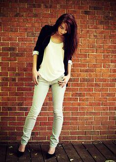 Basic Blazer, grey jeans and heels
