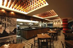 Santos & Santos Arquitetura - 81 | 3081 5900 - real botequim Restaurant Bar, Conference Room, Wine Bars, Lounge, 81, Table, Furniture, Mini, Home Decor
