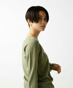 ショートヘアー Girl Short Hair, Short Hair Cuts, Short Hair Styles, Love Hair, My Hair, Character Inspiration, Hair Inspiration, Cabello Hair, New Haircuts