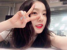 Imagem de red velvet, bae joohyun, and irene Red Velvet アイリーン, Red Velvet Irene, Park Sooyoung, Seulgi, Sehun, Korean Girl, Asian Girl, Red Velet, Fan Picture