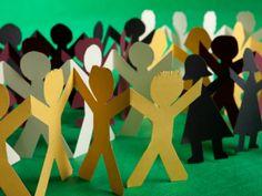 Para participar é preciso estar cursando Ensino Superior com formação prevista entre dezembro de 2013 e dezembro de 2014; ter inglês intermediário; e disponibilidade para trabalhar de 4 a 6 horas por dia.