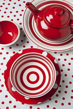 I love this Ceramic Red Teapot and Cup and Saucer Set. I love the red and white polka dot table cover. Red Teapot, Red Cottage, White Dishes, Red Kitchen, Kitchen Unit, Kitchen Retro, Kitchen Dishes, Kitchen Colors, Kitchen Ideas