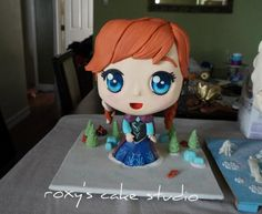 Learn how to make Chibi Superhero and Princess Cakes! Step by step course on how to make this epic chibi cakes! Frozen Theme Cake, Disney Frozen Cake, Disney Cakes, Anna Frozen, Fondant Flower Cake, Fondant Bow, Fondant Tutorial, Fondant Cakes, Girly Cakes