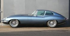 Jaguar E-Type Coupe Opalescent silver blue - Cars - Autos Jaguar E Type, Jaguar Xk, Jaguar Cars, Chevy Impala, Ford Motor Company, Automobile, British Sports Cars, Rolls Royce, Sport Cars
