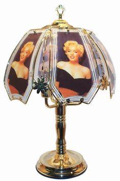 Bedroom Decor Ideas and Designs: Marilyn Monroe Themed Bedroom Decor Ideas