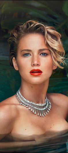 Jennifer love hewitt fakes videos
