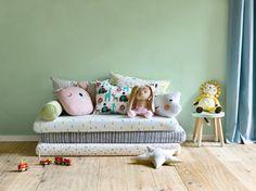 Micasa Kinderzimmer mit diversen Kinderzierkissen Toddler Bed, Inspiration, Kids, Furniture, Home Decor, Cuddling, Creative Ideas, Textiles, Bed