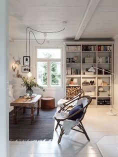 Hej heeej! I have such a beautiful, charming family home to share with you today. Located in the small town of Jacobstad (or 'Pietarsaari') in Ostrobothnia, Finland, the house dates back to the 1700s