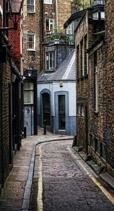 Fitzrovia ~ Neighbourhood Walk, London, England