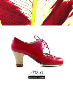 https://www.tamaraflamenco.com/es/zapatos-de-flamenco-profesionales-4 Zapato profesional de flamenco Begoña Cervera Modelo Petalos piel rojo