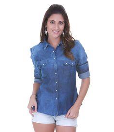 Camisa feminina  Manga longa  Com bolso  Marca: Blue Steel  Tecido: jeans  Composição: 100% algodão  Modelo veste tamanho: P       COLEÇÃO PRIMAVERA/VERÃO 2015       Veja outras opções de    camisas femininas.          Camisas   As camisas são a bola da vez e must have no verão. A tendência da transparência pode ser usada tanto de dia quanto à noite, sendo os modelos com cores cítricas perfeitas para os dias de sol. Camisas por dentro da calça jeans e dos shorts são uma opção de look super…