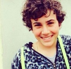 your smile is spectacular #mirkotrovato #davideilbello #belloperdavvero #braccialettirossi