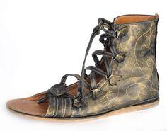 CALCEUS: Especie de sandalias mas sofisticadas que las carbatinas, utilizadas…