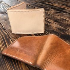 Some killer patina on this year old natural bi-fold! #1350Leather #MadeInAmerica #QualityGoods #Patina