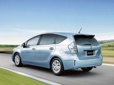 Daihatsu Mebius Hybrid 2013