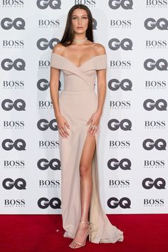 Bella Hadid in custom Boss. GQ Men Of The Year Awards 2016 - Celebrity Red Carpet Photos British Vogue Elegant Dresses, Sexy Dresses, Beautiful Dresses, Nice Dresses, Fashion Dresses, Prom Dresses, Formal Dresses, Vestido Strapless, Dress Vestidos