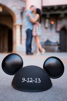 A Disneyland engagement session | The SnapKnot Blog | Christopher Cooke Photography