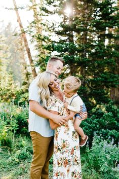 Truly Photography | Family Pictures Utah | Floral dress | Flowy dress | what to wear for family pictures | albion basin | albion wild flowers | family pictures | family pictures poses | family session poses