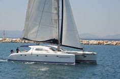 Nautitech 475. 4+2 cabins. 8+1+1 berths. 2x50 HP engines.