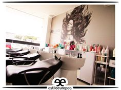 Lavacabezas: un ritual en la peluquería El lavacabezas se ha convertido en un espacio único en la peluquería, que para nuestro cliente significa disfrutar de un momento de relax, en un cómodo sofá, mientras nuestros expertos lava su cabello y le proporciona un masaje único en el cuero cabelludo. Te esperamos Programa tus citas: 3104444 - 3015403439 Visítanos: Cll 10 # 58-07 Sta Anita . . . #Peluquería #Estética #SPA #Cali #CaliCo #PeluqueríaEnCali #PeluqueríasEnCali #BeautyHair #BeautyLook…