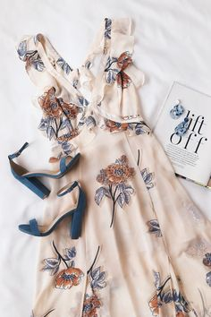 Summer fashion for moms Source by heythereitslilah dress outfits Mode Outfits, Casual Outfits, Fashion Outfits, Womens Fashion, Dress Casual, Mode Chic, Mode Inspiration, Look Fashion, Floral Fashion