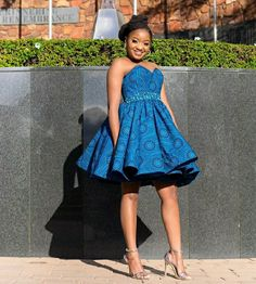 Ankara Dress Styles, African Maxi Dresses, African Fashion Ankara, African Print Fashion, African Prints, African Style, African Traditional Wedding Dress, Traditional African Clothing, Traditional Outfits