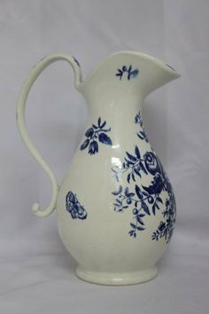 18th Century British Blue and White Porcelain circa 1780 : Lot 176