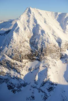 Galdhøpiggen, Jotunheimen, Norway's highest mountain, 2469 m ASL. Berg, Places Around The World, Around The Worlds, Norway Viking, Beautiful Norway, New Year Goals, Scandinavian Countries, Beautiful Landscapes, Finland