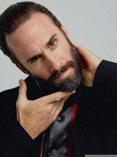 Male Fashion Trends: Joseph Fiennes para Esquire España por Javier Biosca