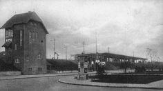 """Der Bahnhof Spandau, 1914. Das Stellwerk befand sich an der Seegefelder Straße (rechts) Ecke Klosterstraße. Der Bahnhof hieß """"Spandau West""""; der heutige Bau entstand ab Mitte der 90er. Das Bild haben wir dem Buch """"Spandau bei Berlin in alten Bildern"""" (Sutton Archiv, 2016) entnommen."""