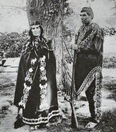 Delaware (Munsee Band) couple - no date Native American Pictures, Native American Clothing, Native American Tribes, Native American History, American Art, Indian Tribes, Native Indian, Native Art, Delaware Indians