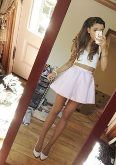 Ariana grande's outfit