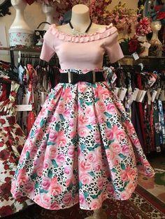 New Skirt Print Modren Floral Skirt Made in Sydney 50s Style Skirts, Work Skirts, Races Fashion, Skirt Fashion, Fashion Outfits, Rockabilly Fashion, Rockabilly Style, Vintage Style Outfits, Vintage Fashion