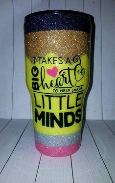 Cute teacher cup, looks like a pencil! Diy Tumblers, Personalized Tumblers, Custom Tumblers, Glitter Tumblers, Circuit Projects, Vinyl Projects, Teacher Appreciation Gifts, Teacher Gifts, Tumblr Cup