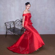 Robe rouge longue evasee